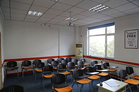 山东大学青岛即墨校区附近有托福雅思培训学校吗?